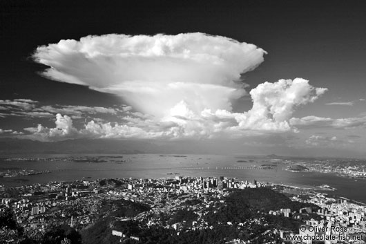 Black and White Brazil/Towering cumulo-nimbus cloud above Rio de ...
