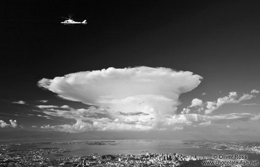 Black and White Brazil/Tall cumulo-nimbus cloud above Rio de ...