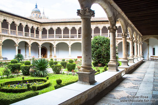 Interiour courtyard of the Convento de las Dueñas in Salamanca before reducing exposure in the sky