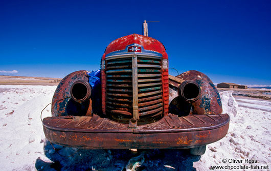 Abandoned car in the Salar de Uyuni