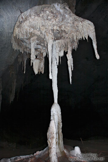 Structure of stalagmites and stalagtites in the Gruta da Lapa Doce near Lençóis