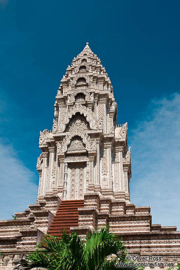 Stupa at Wat Ohnalom in Phnom Penh