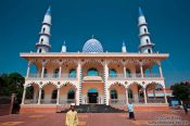 Travel photography:The Nurunnaim Mosque in Phnom Penh, Cambodia