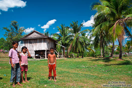 Children outside their home between Sihanoukville and Kampott