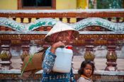 Travel photography:Woman and child between Sihanoukville and Kampott , Cambodia