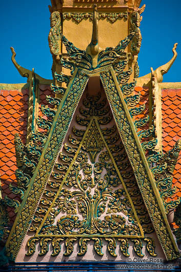 Gable of a temple near Odonk (Udong)