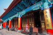 Travel photography:Entrance to the main altar at Kunming´s Yuantong temple , China