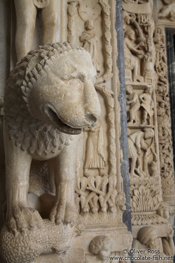 A lion guards the entrance to the Katedrala Sveti Lovrijenac (Saint Lawrence Cathedral) in Trogir