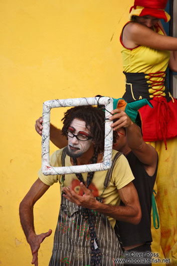 Performance artists in Havana Vieja
