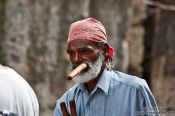 Travel photography:Man with cigar, Cuba