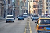 Travel photography:Traffic along the Malecón in Havana, Cuba