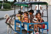 Travel photography:Bored kids in Santa-Clara, Cuba