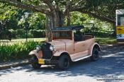 Travel photography:Oldtimer in Viñales, Cuba