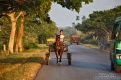 Travel photography:Vinales road traffic, Cuba