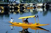 Travel photography:Water taxi on Dal Lake in Srinagar, India