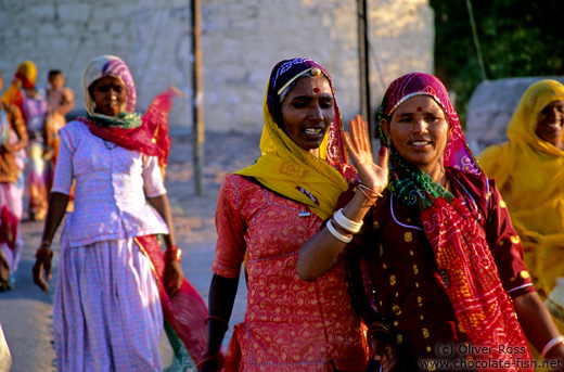 Women in colourful saris in Jodhpur