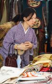 Travel photography:Shopper at Tokyo´s Antiques market, Japan