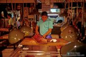 Travel photography:Cutting the catch of the day at the Tsukiji fishmarket in Tokyo, Japan