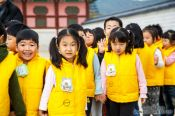 Travel photography:School childern on their way to the Gyeongbokgung palace, South Korea