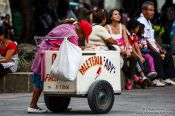 Travel photography:Selling ice cream in Oaxaca, Mexico