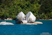 Travel photography:Split apple rock near Kaiteriteri, New Zealand
