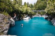 Travel photography:Jumpers at the Hokitika Gorge, New Zealand
