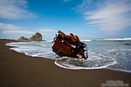 Ship wrek on a beach near Honeycomb Rock