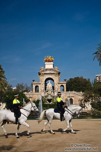 Mounted police patrol in front of the Cascada in Barcelona´s Parc de la Ciutadella