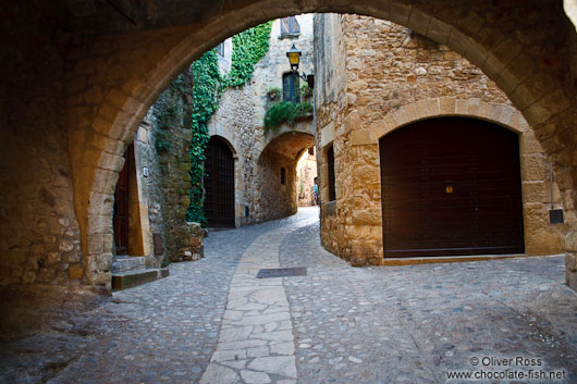 Passage in the old town in Pals