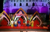 Travel photography:Performance at the Loi Krathong festival, Thailand