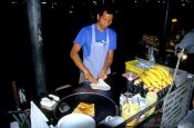 Travel photography:Pancake vendor, Thailand