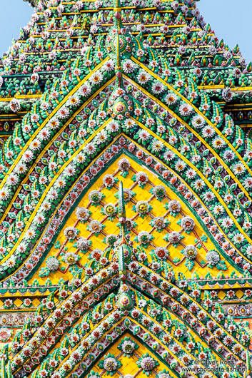 Facade detail of Wat Pho temple