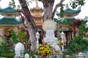 Travel photography:Temples in Chau Doc , Vietnam