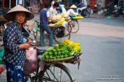 Travel photography:Hanoi fruit vendors, Vietnam