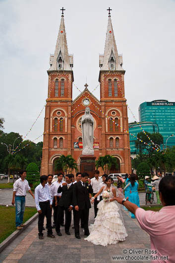 Wedding at Notre Dame church in Hoh Chi Minh City